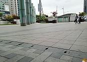 스케이트보드 스팟 용산이마트앞 - 비오는날 보드타다 SK8Daily